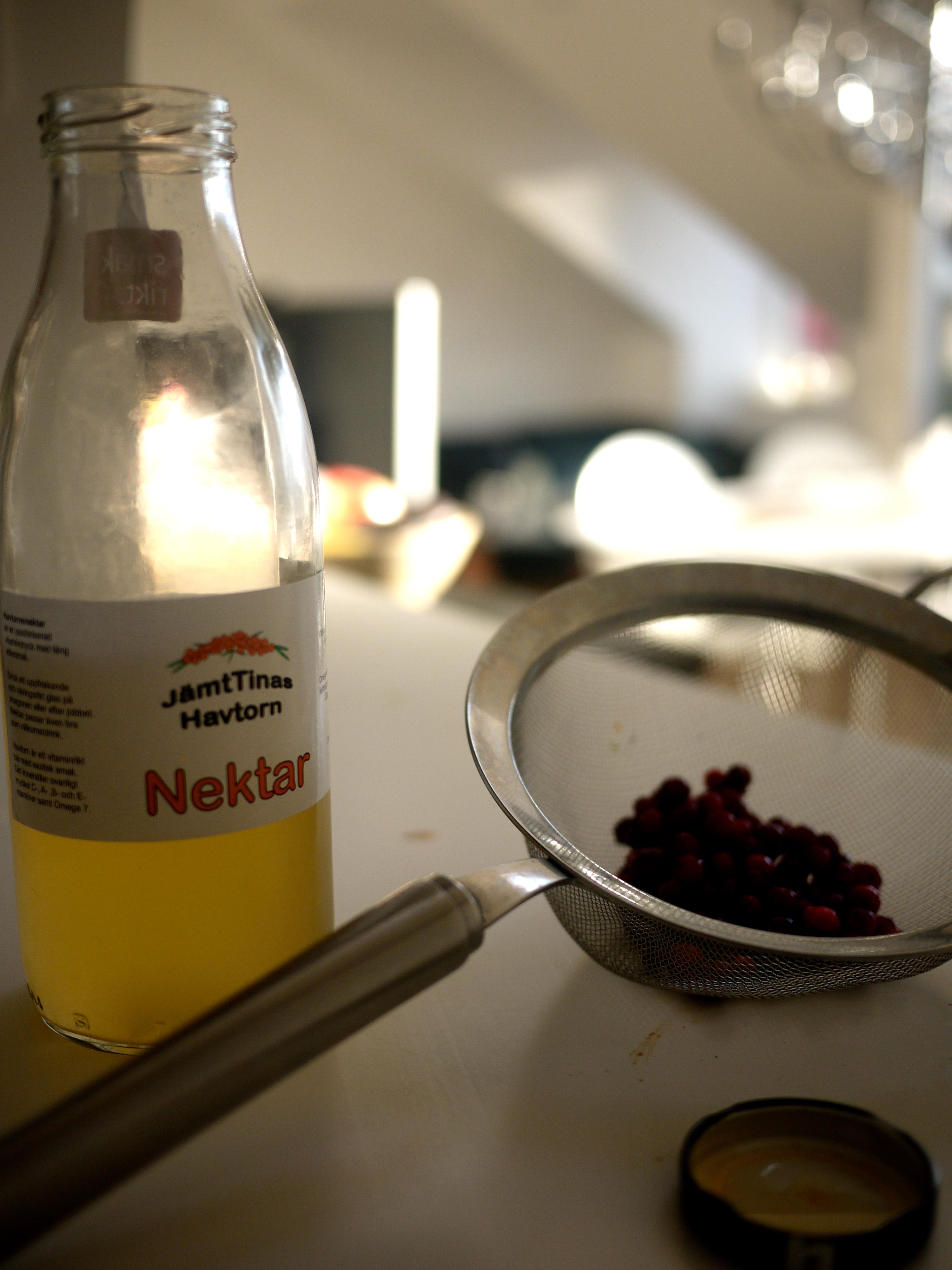 smoothie mandelmjölk hallon